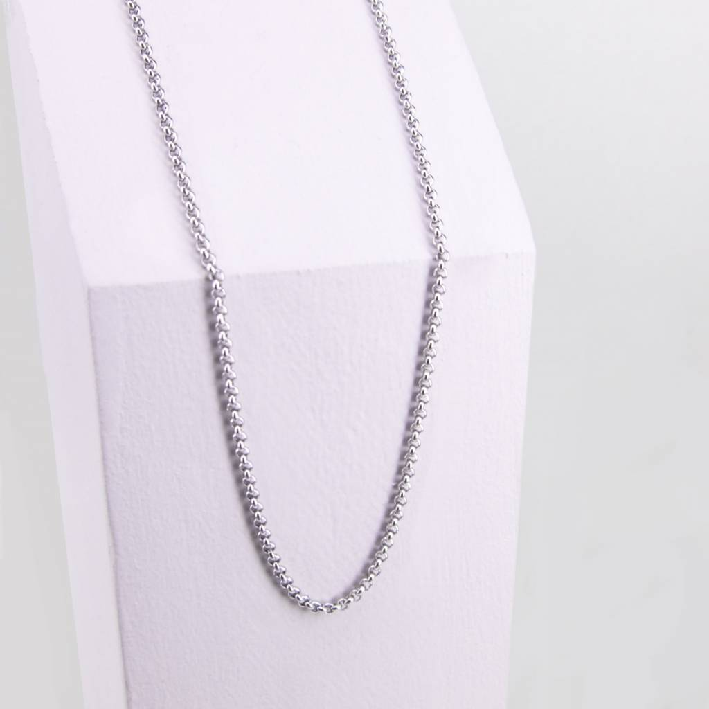 Adjustable chain with full round links