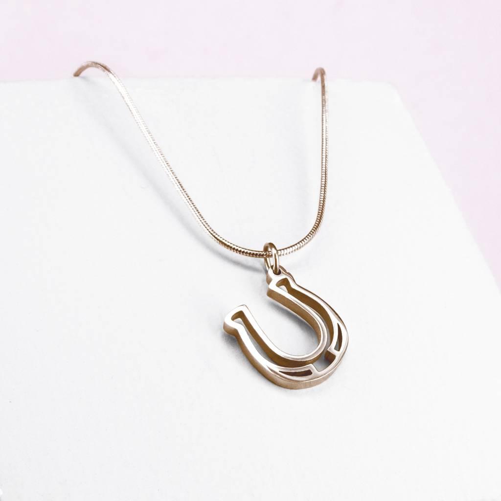 Pendant horseshoe