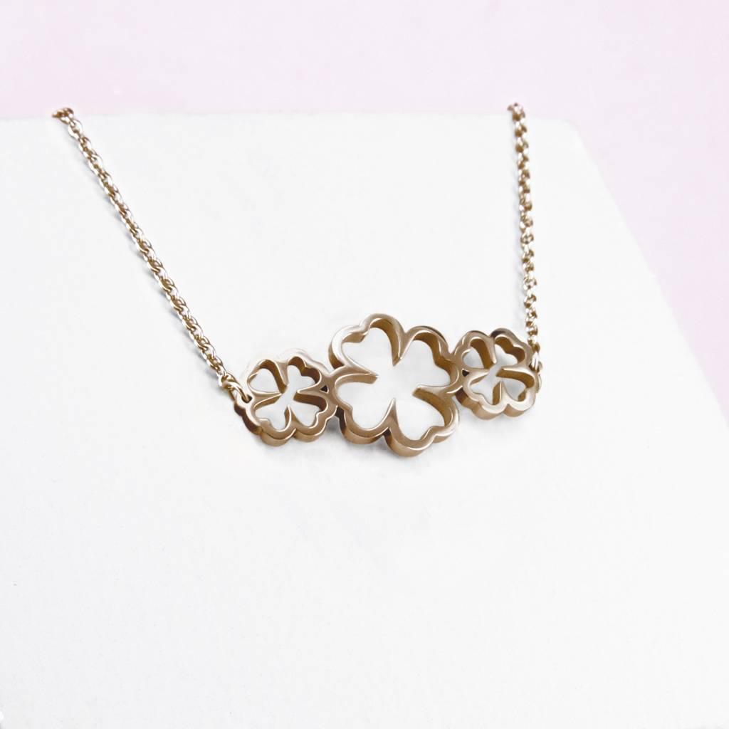 Halskette mit 3 vierblättrigen Kleeblättern