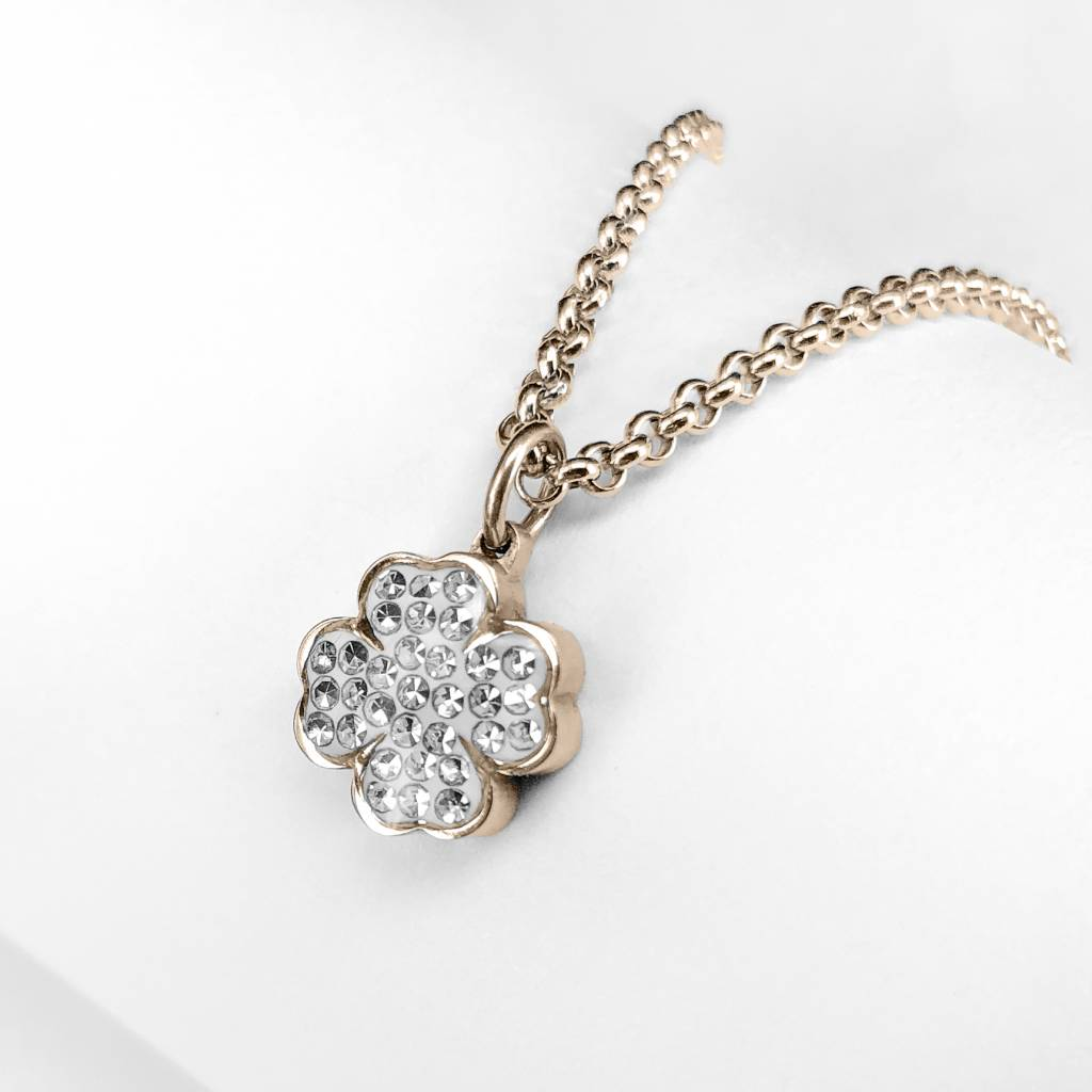Pendant four-leaf clover with cz stones