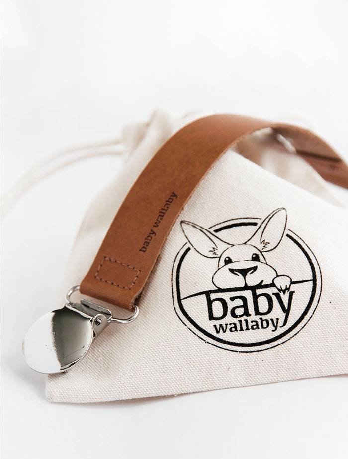 BABY WALLABY - Pacifier Clip in colour coconut