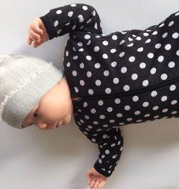 knitWORKS / Bonnet pour bébé gris pâle