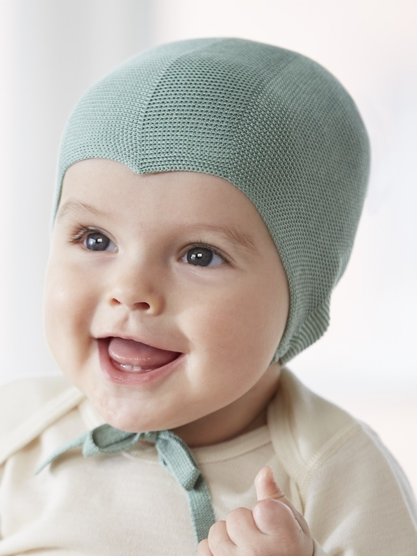 Baby pure Silk hat in light green