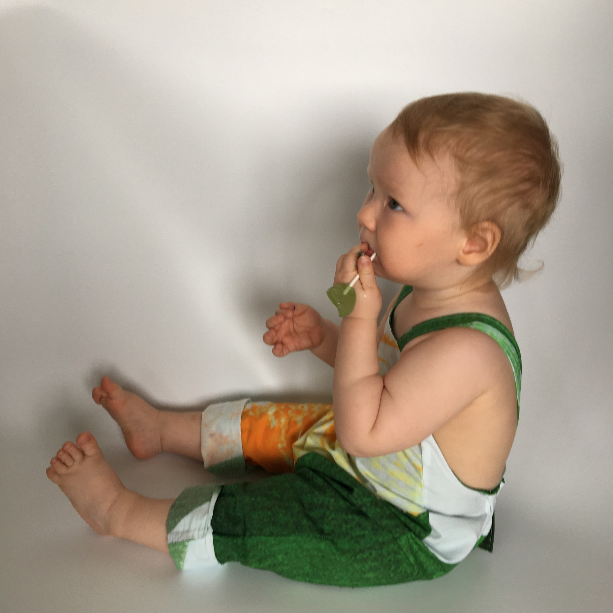 One-size dungaree from organic cotton white/colourful