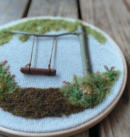 "KAUNOKKI HANDMADE / Stickerei Kunstwerk ""Cinnamon Stick Swing"""