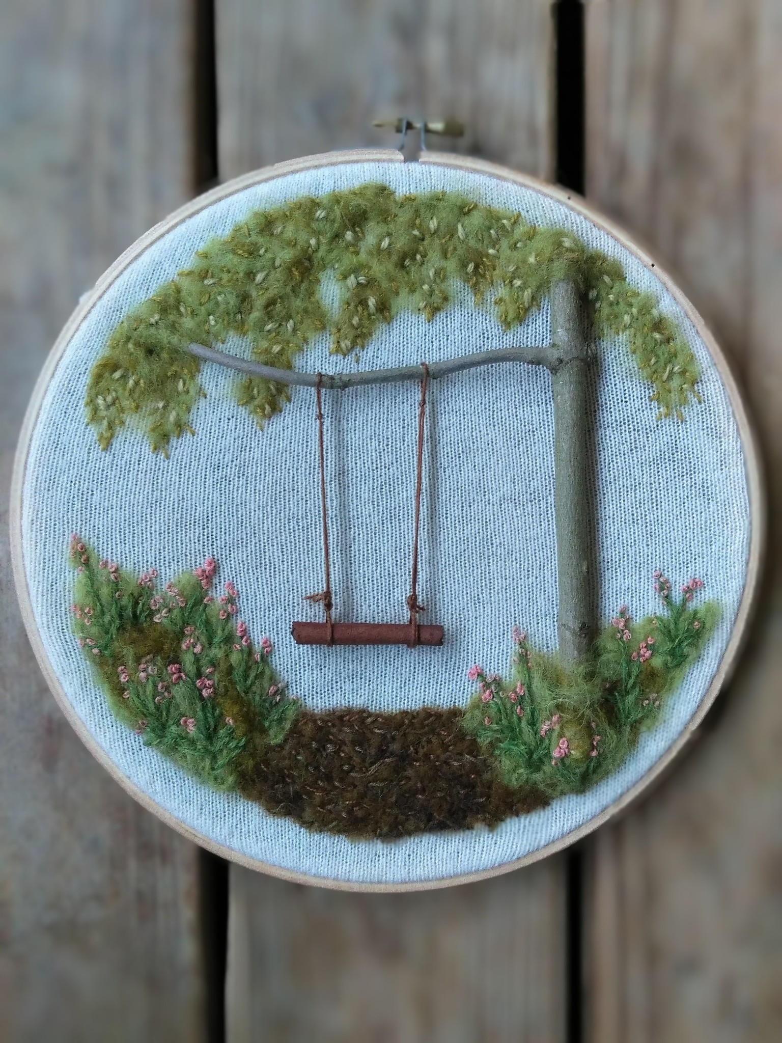 "Stickerei Kunstwerk ""Cinnamon Stick Swing"""