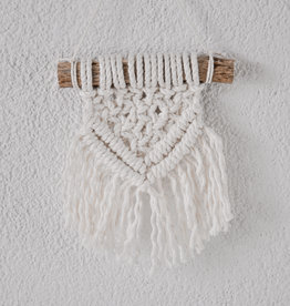 "BLUSH BOHO / Mini macramé wall hanging ""Oda"""