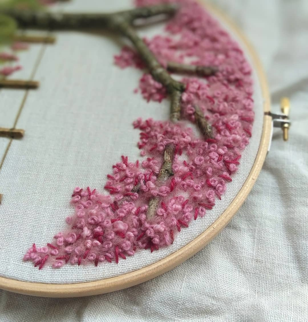 "Broderie d'art ""The Blossom of Cherrytree"""