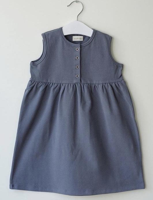Sleeveless dress in blue