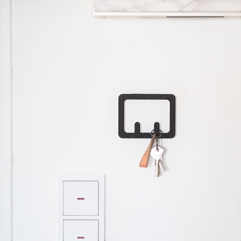 Key rack made of birch plywood for 2, 4 or 6 keys