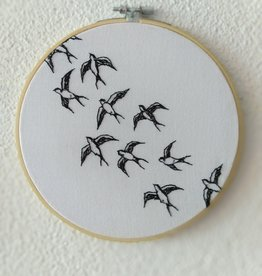"KAUNOKKI HANDMADE / Embroidery art ""This Way"""