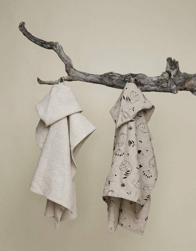 """Kids hemp bath poncho """"Sleepy forest"""" 70x65 cm"""
