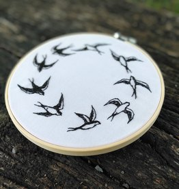 "KAUNOKKI HANDMADE / Embroidery art ""Keep Flying"""