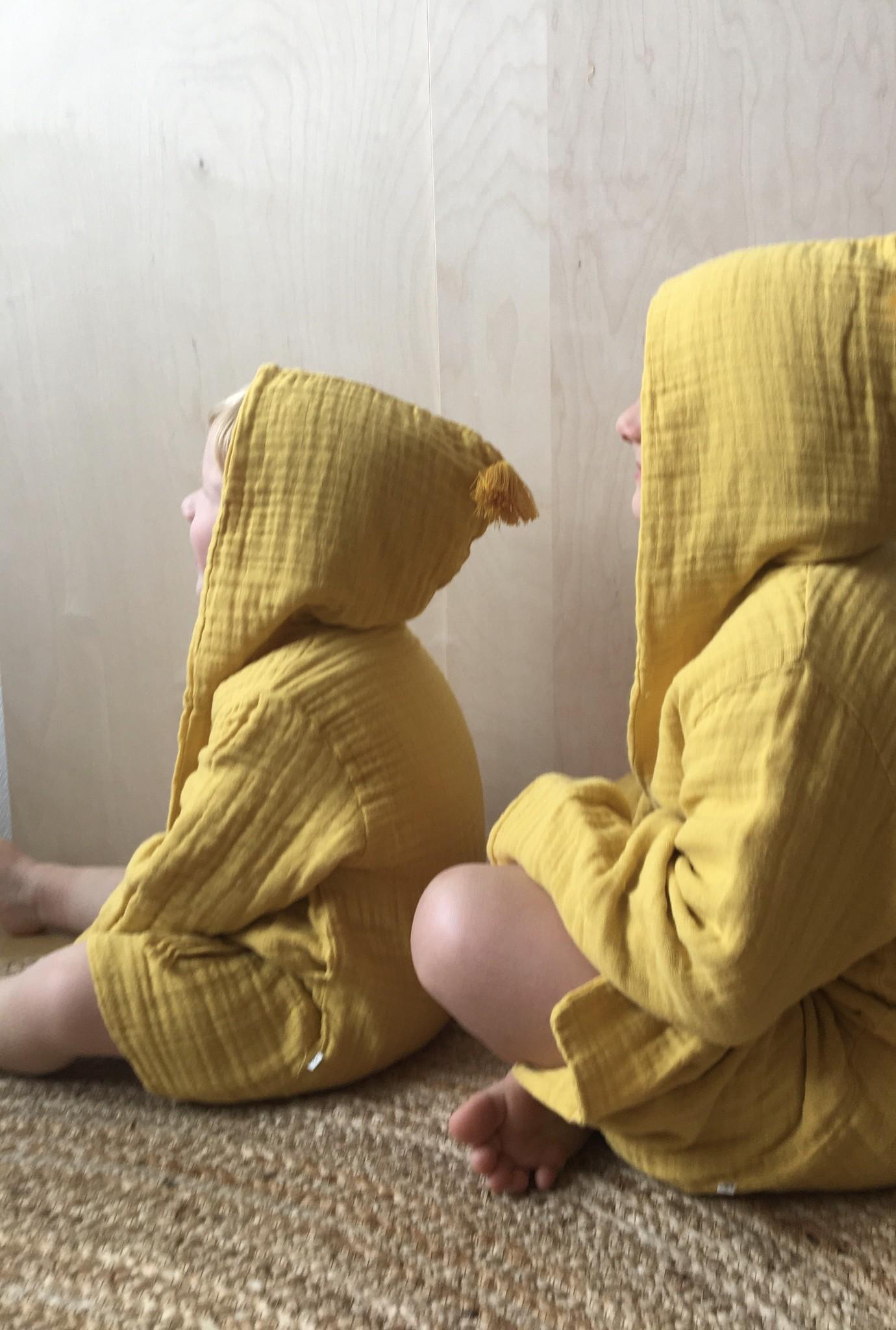 Kinder Bademantel senffarben