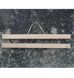 PAPURINO / Porte-affiche en chêne avec fixation magnétique 31 cm