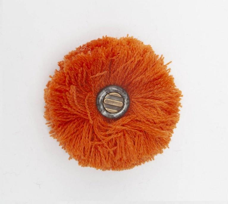 Abnehmbarer Pompon orange