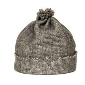 Baby Beanie-Mütze beigefarben aus feiner Merinowolle