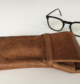 OMPELUS / Etui couleur cognac en cuir de renne pour lunettes ou téléphone mobile