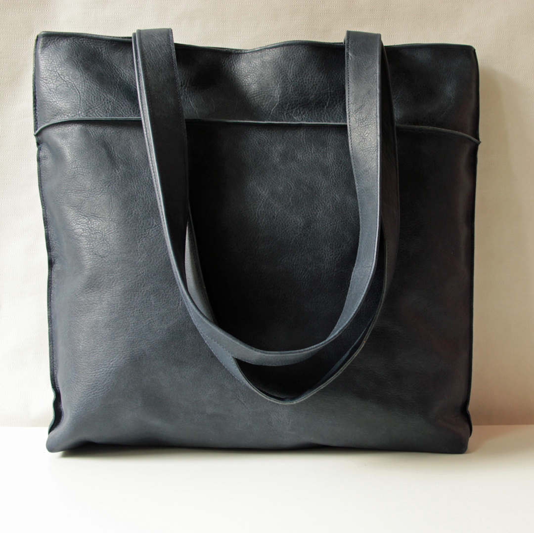 """""""Shopper"""" blue-colored in reindeer leather 42x38cm"""