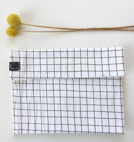 STUDIO C. / Snack bag with black/white check pattern in cotton