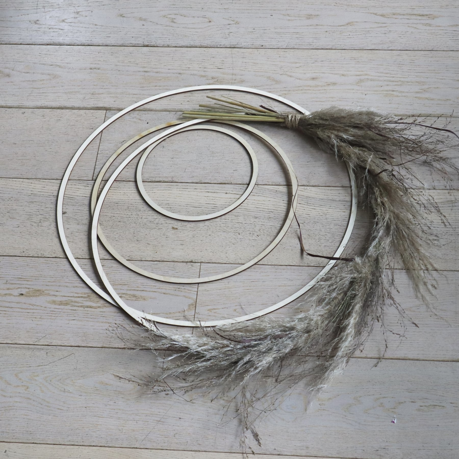 Wreath ring made of birch wood in various sizes