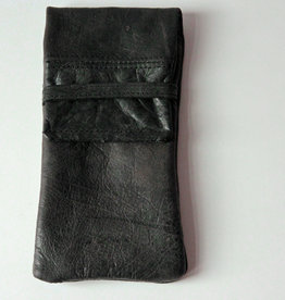 OMPELUS / Reindeer leather case in forest green for glasses or mobile phone