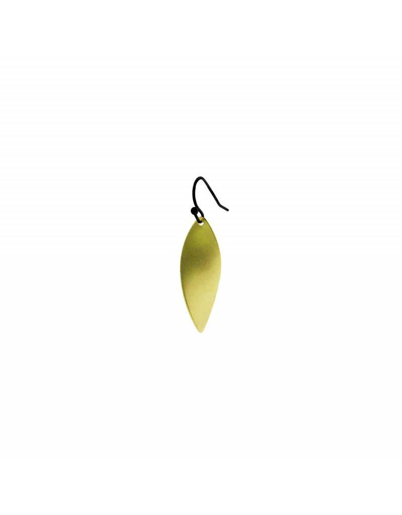oorbEllen mix&match twist mat goud korte hanger zwart