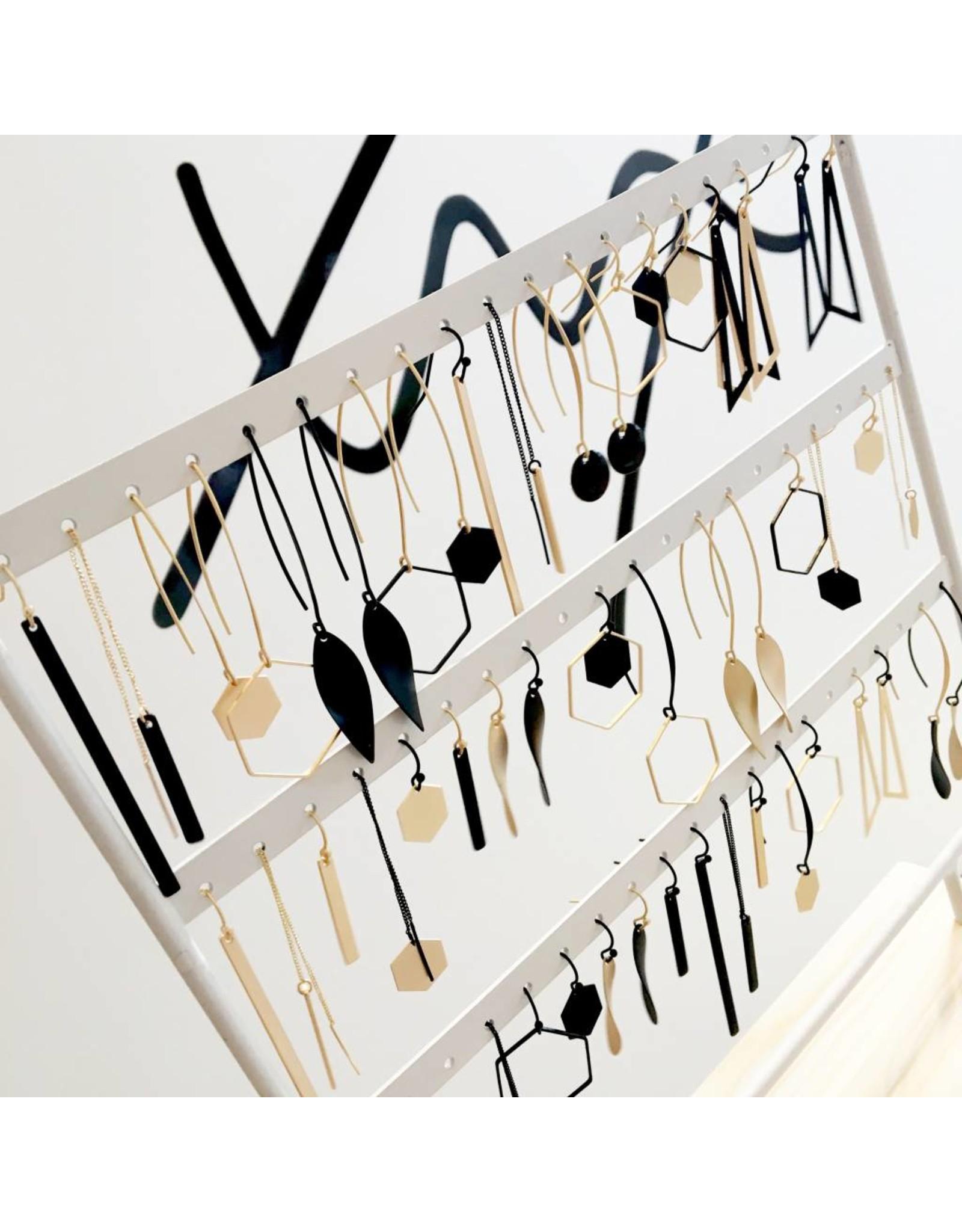 oorbEllen mix&match zeshoek mat zwart lange hanger goud