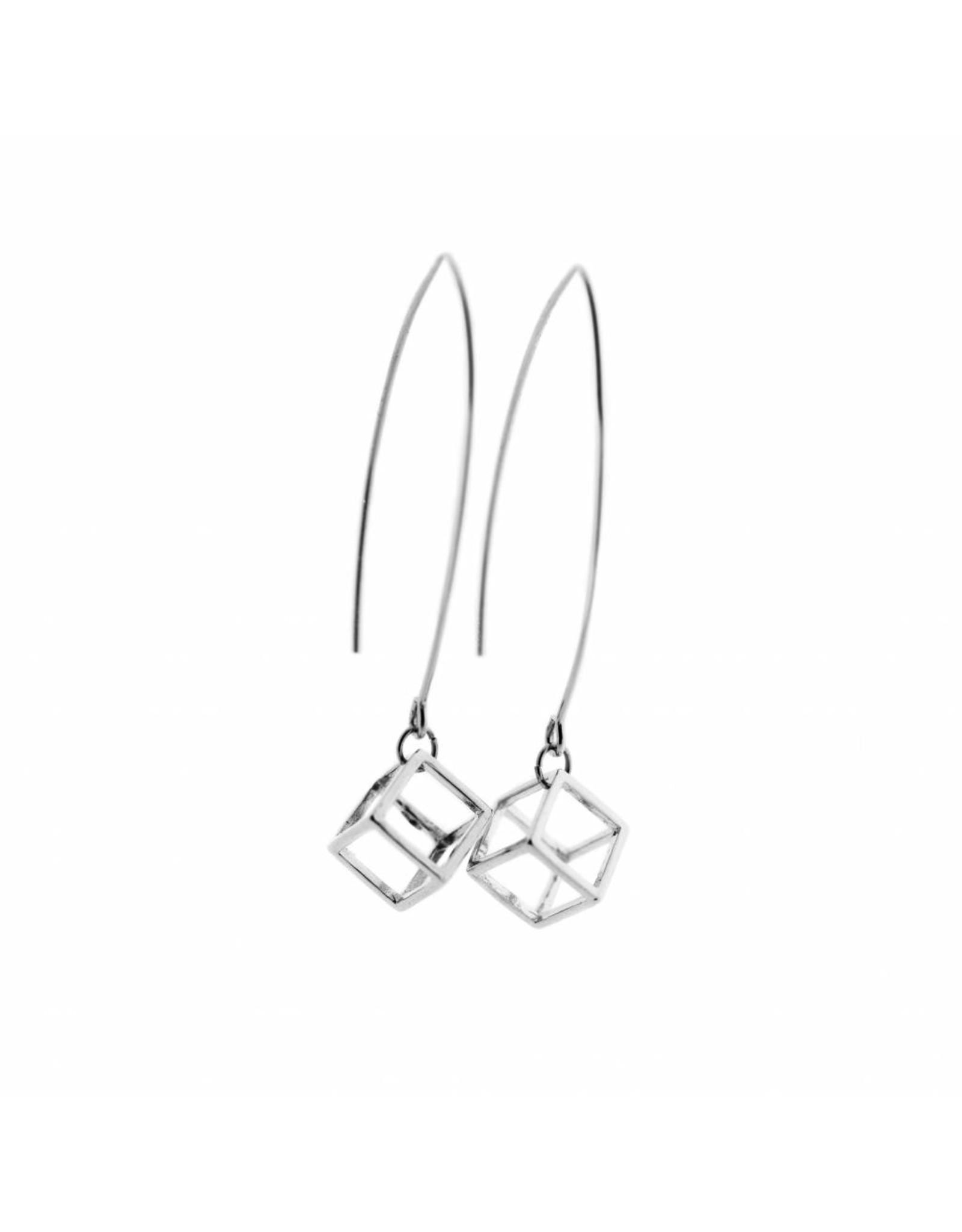 oorbEllen 3D lang kubus zilverkleurig