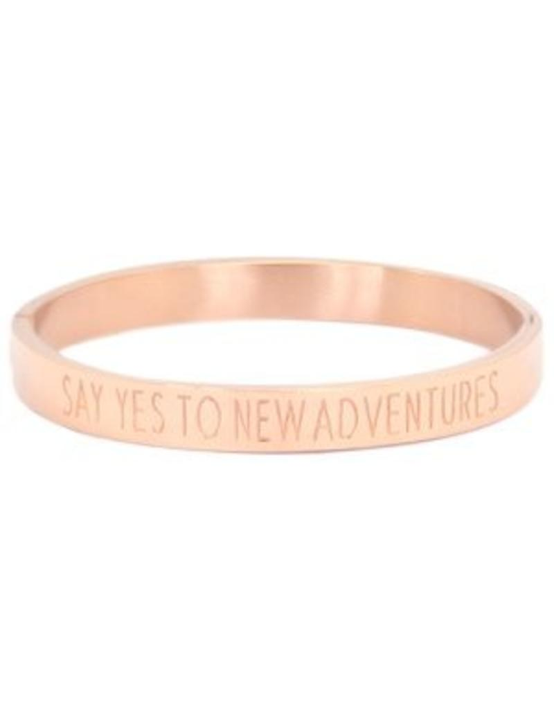 Armband RVS 'SAY YES TO NEW ADVENTURES' rose goudkleurig