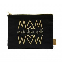 Etui MOM upside down spells WOW