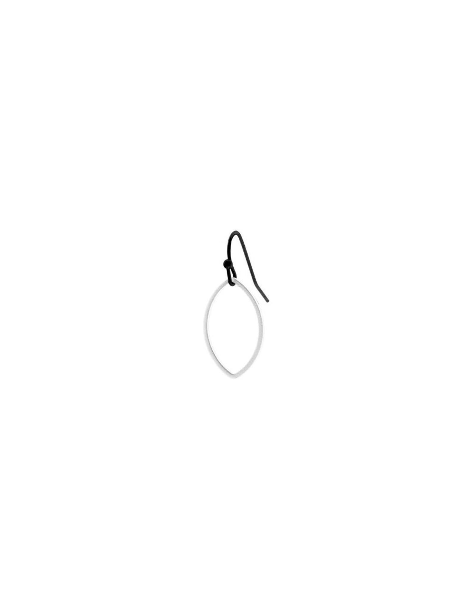 oorbEllen mix&match ovaal open mat zilver kort zwart