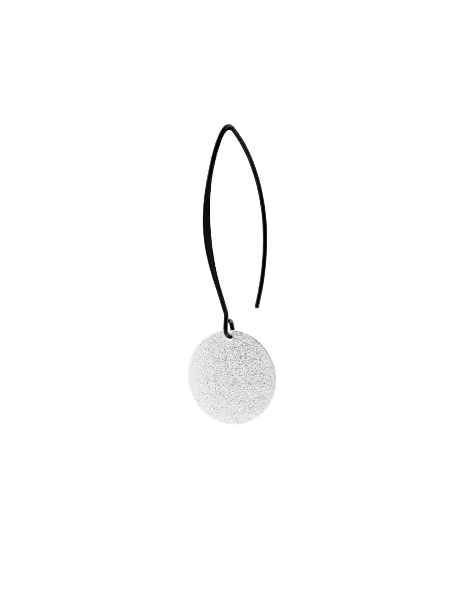 oorbEllen mix&match cirkel vol mat zilver lang zwart