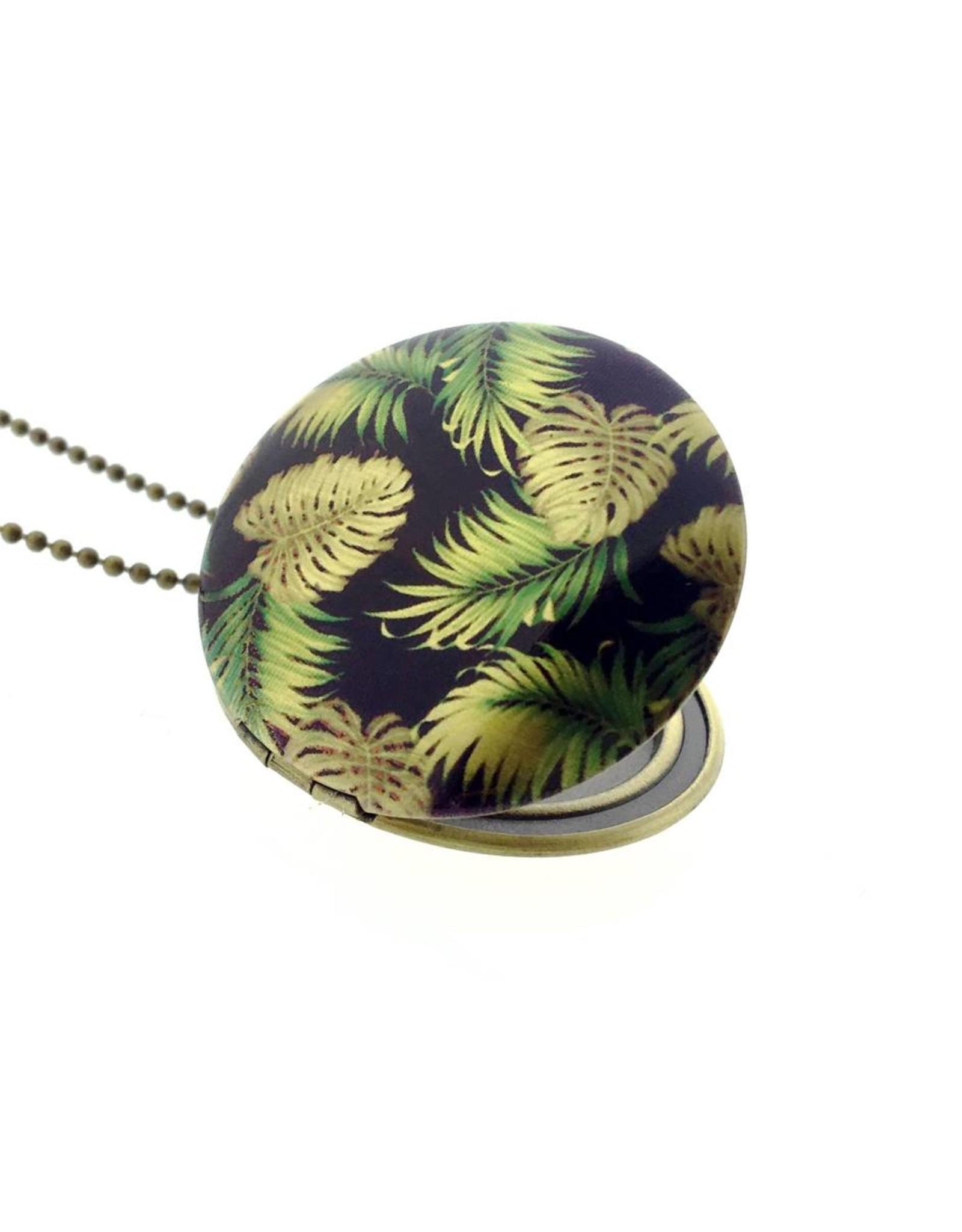 Locket tropical leafs
