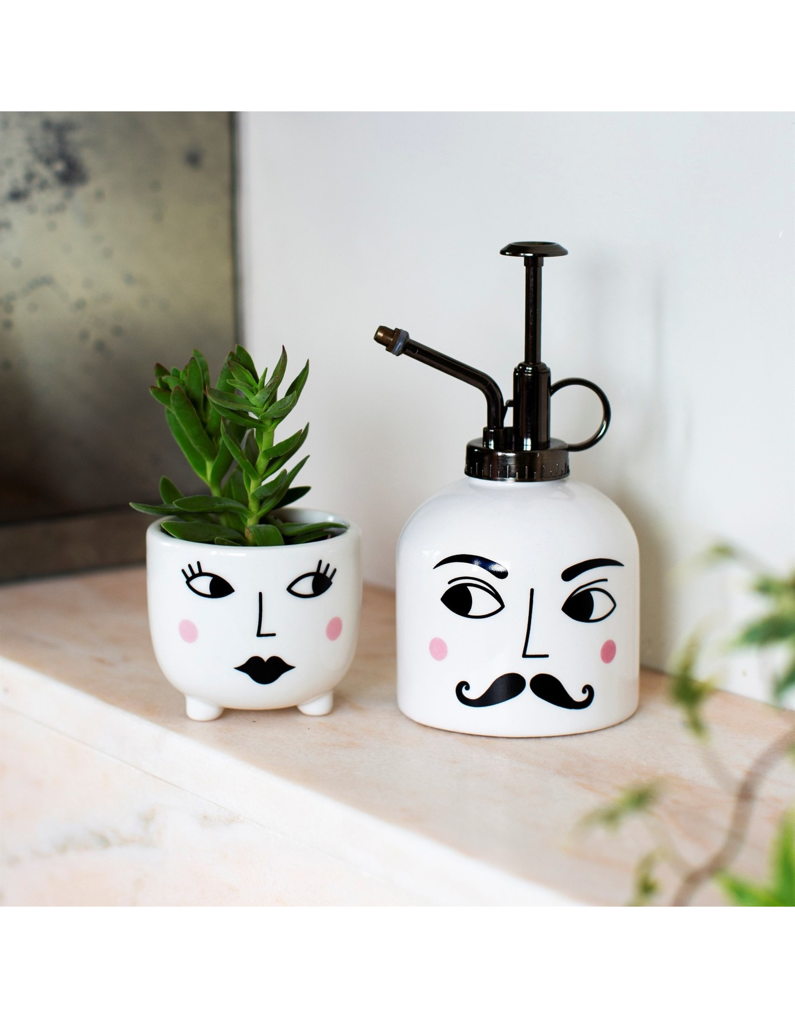 Bloempotje & plantenspuit