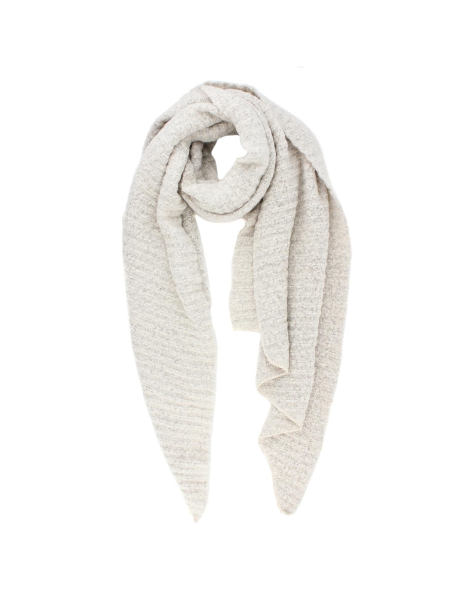 Sjaal schuin gebroken wit ribbels