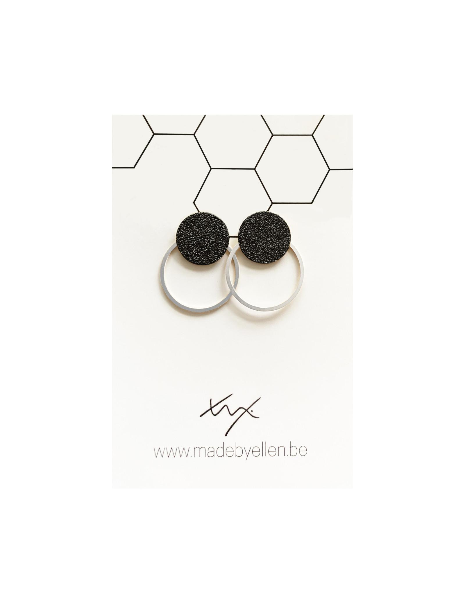 oorbEllen steker mat zwart met ring zilver