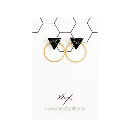Stekers marmer driehoek zwart met ring