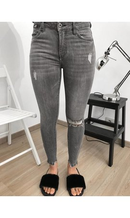 QUEEN HEARTS JEANS - GREY - SKINNY RIPPED ANKLE ZIP