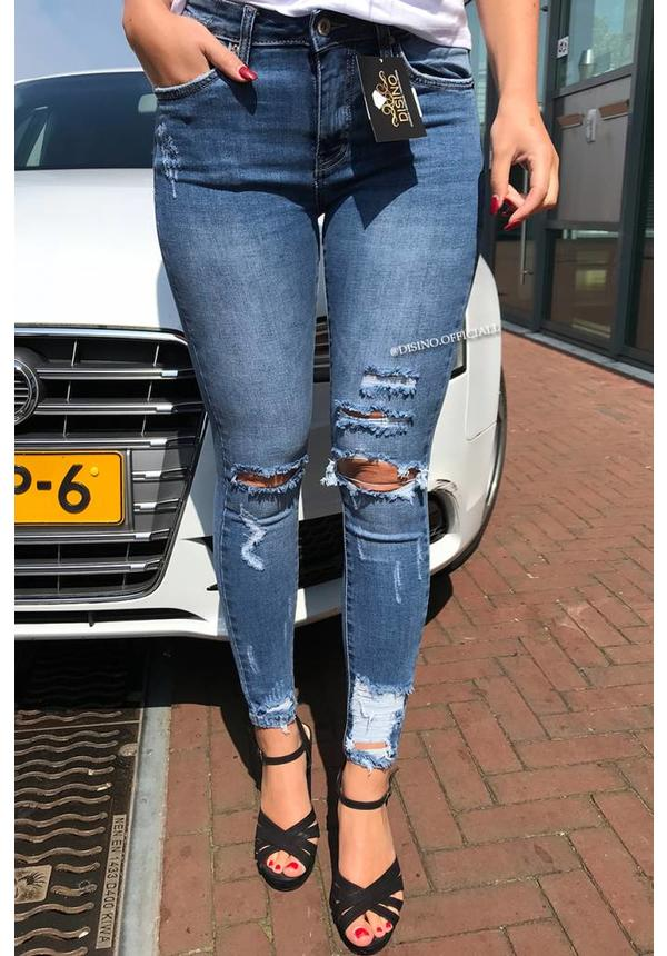 QUEEN HEARTS JEANS - MEDIUM BLUE - RIPPED SKINNY CROP RIPS DETAIL - 9205-4