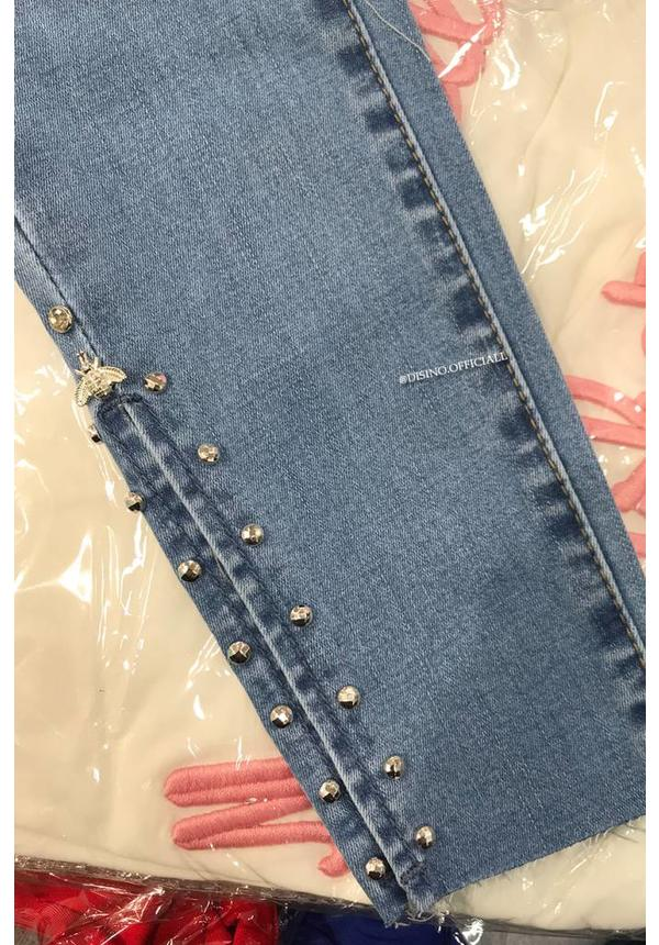 QUEEN HEARTS JEANS - LIGHT BLUE - SKINNY OPEN ANKLE BEE DETAIL