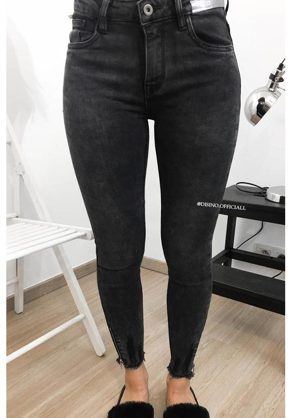 QUEEN HEARTS JEANS - BLACK DENIM - SKINNY HIGH WAIST ANKLE ZIP