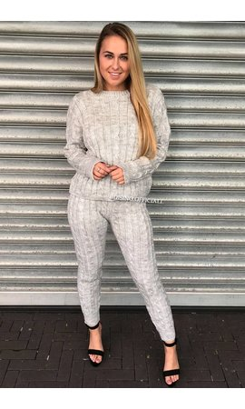 LIGHT GREY - 'CAMILA' - ROUND NECK CABLE KNIT LOUNGE SET