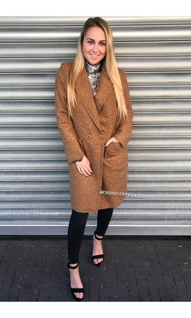 CAMEL - 'KOURTNEY' - DOUBLE BUTTON TEDDY COAT