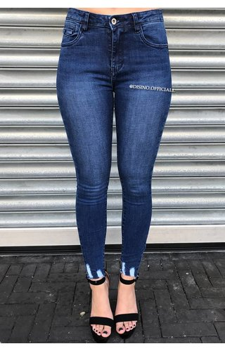 QUEEN HEARTS JEANS - DARK BLUE - SKINNY MID HIGH WAIST CROP FRAY HEM - 9504