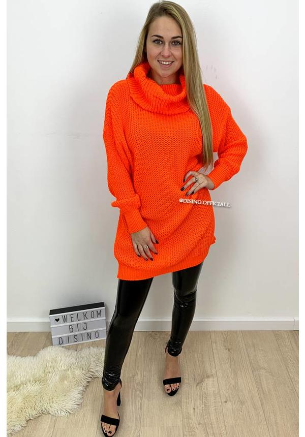 ORANGE - 'CARMEN' - KNITTED OVERSIZED COL