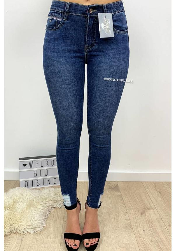 QUEEN HEARTS JEANS - DENIM BLUE - SKINNY CROP SIDE FRAY HEM - 9546