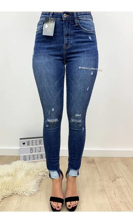 QUEEN HEARTS JEANS - MEDIUM BLUE - RIPPED SKINNY HIGH WAIST - 584