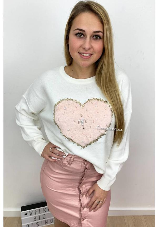 WHITE - 'HANNAH' - SOFT TOUCH OVERSIZED HEART KNITWEAR