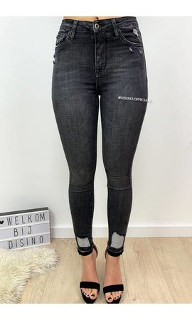QUEEN HEARTS JEANS - DARK GREY - SKINNY CROP RIPPED ANKLE - 9050